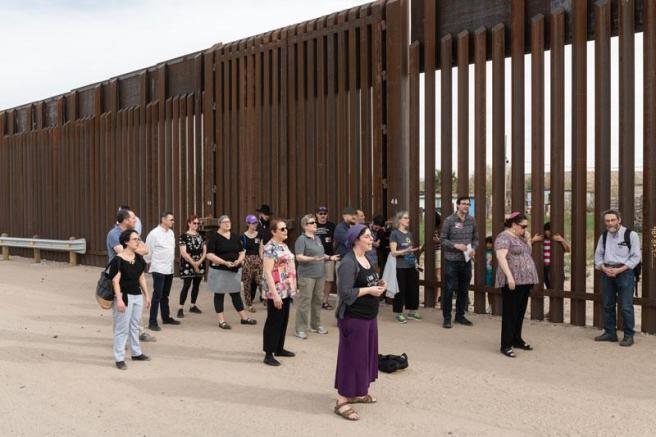 Hias at the border